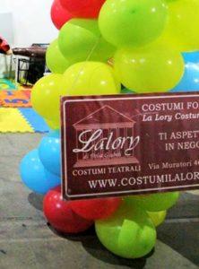 29067274 688419367948306 1171602271587270656 n 222x300 - Mavy Magia e La Lory Costumi a Cartoomics!!