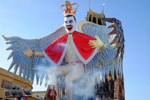 VIAREGGIO 300x200 - I Carnevali più famosi d'Italia
