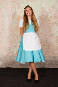 Alice in wonderland 2 200x300 - Alice in wonderland (2)