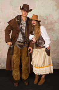 coppia cowboy 197x300 - coppia cowboy