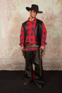 cowboy 3 200x300 - cowboy (3)