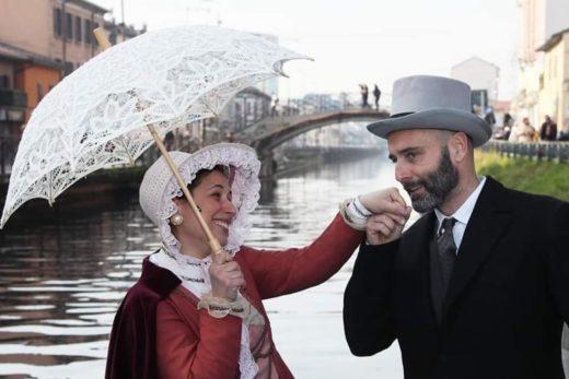 Donna con ombrellino sul Naviglio Lory 1200x800 1 520x347 - Siamo anche su MilanoSud!